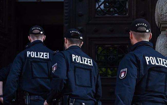 В Нидерландах задержали двух вооруженных мужчин в аэропорту