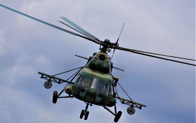 В Киевской области вертолет аварийно сел на среди поля