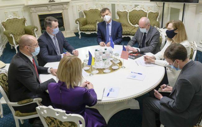 Кабмин готов к переговорам о выезде заробитчан в страны ЕС
