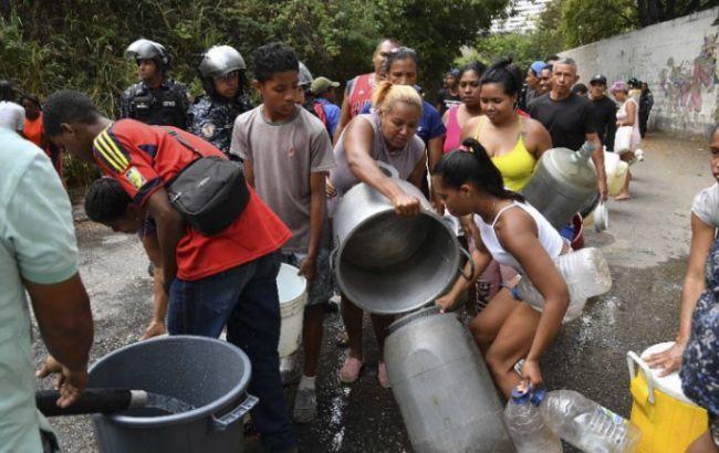 В Венесуэле из-за голода начались беспорядки, есть погибший