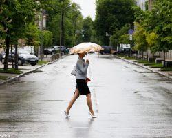 Украину накроет дождями и грозами: прогноз на неделю