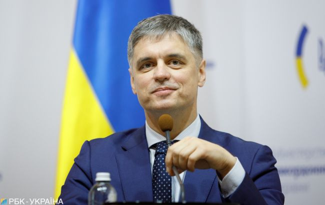 Украина разрешит чартерные рейсы для заробитчан