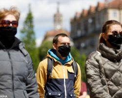 МИД уточнил, сколько зараженных COVID-19 украинцев за границей