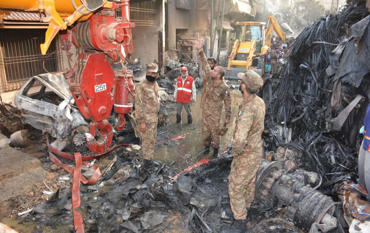 В МИД сообщили, есть ли украинцы среди жертв авиакатастрофы в Пакистане