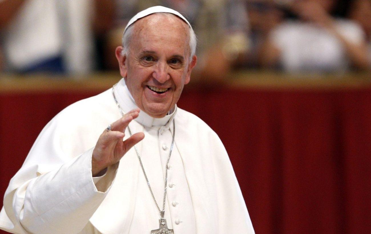 Папа Римский прочитал первую после карантина молитву для паломников на площади Святого Петра