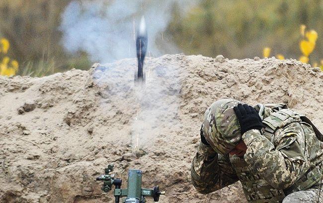 Боевики из гранатометов обстреляли Крымское, ранен украинский военный