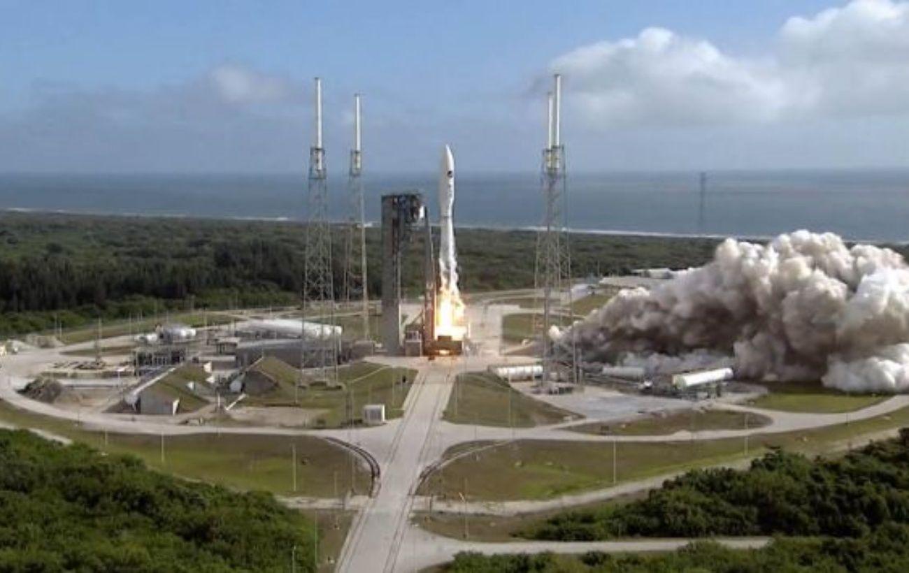 США запустили на орбиту ракету-носитель с военным космопланом