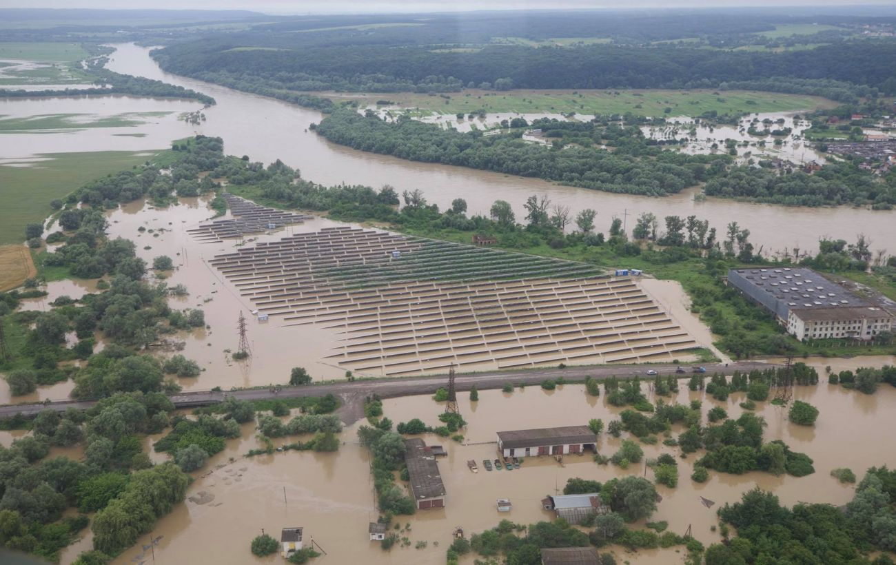 Из-за паводка на Днестре в Черновцах ограничили подачу воды