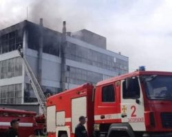 В Запорожье случился пожар на обувной фабрике