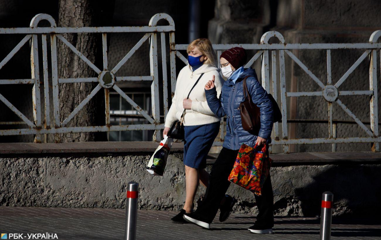 Во Львовской области продлили карантин и запустили транспорт