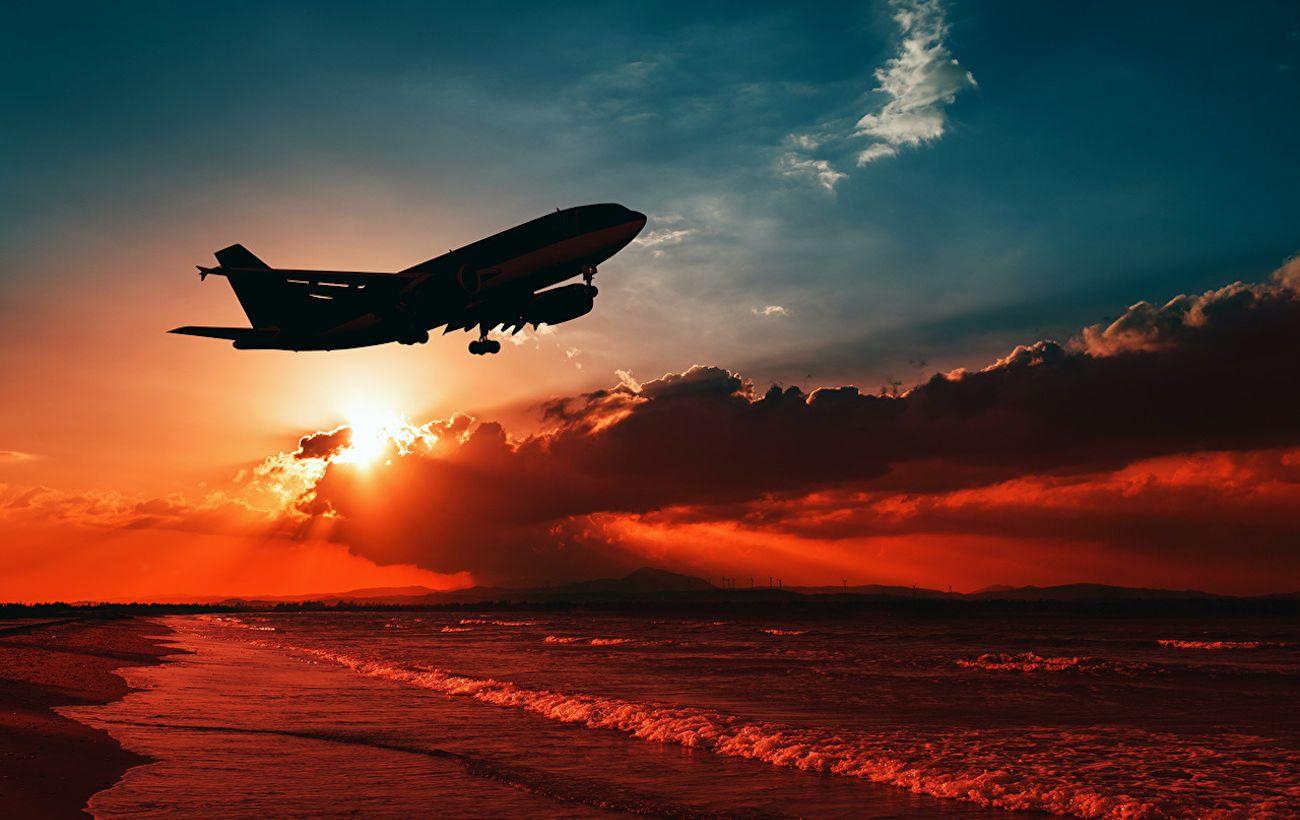 Из Франции отправился самолет с украинцами, эвакуированными из 7 стран