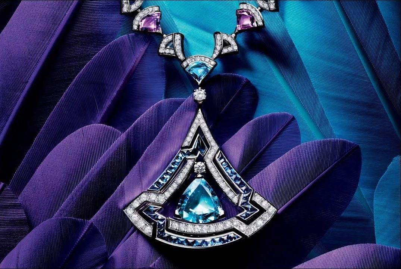 Ювелирные украшения с драгоценными камнями