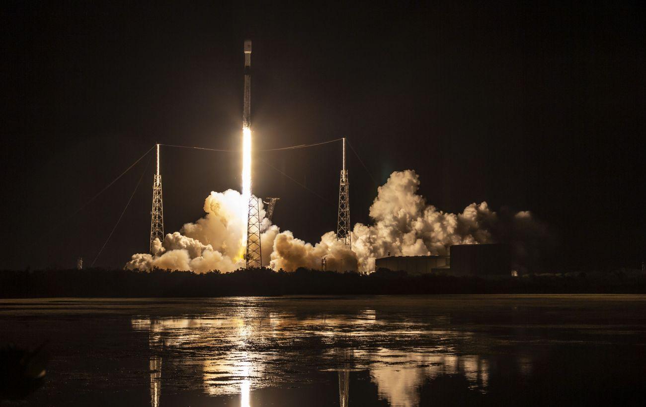 SpaceX запустила на орбиту новую партию интернет-спутников Starlink