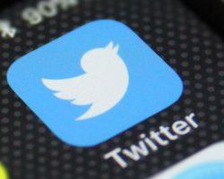 Изменение в руководстве Twitter: совет директоров впервые возглавил человек со стороны