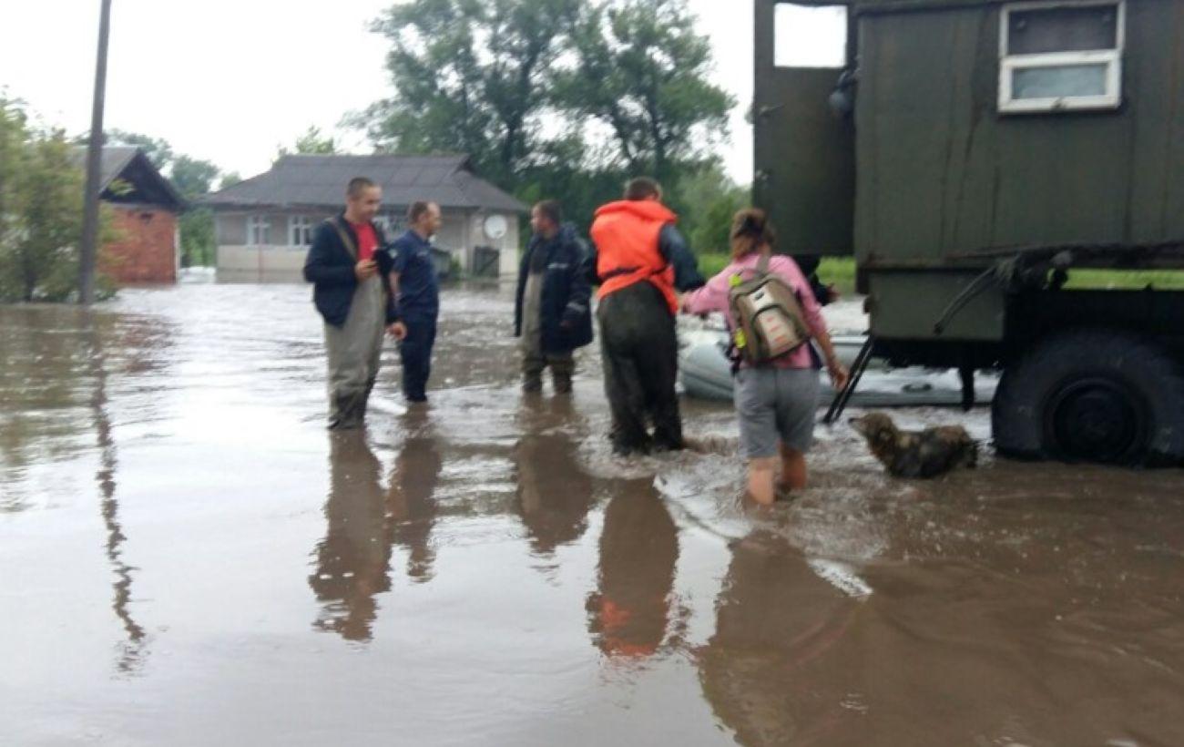 На западе Украины остаются подтопленными 10 населенных пунктов