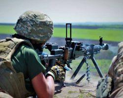 На Донбассе боевики стреляли из запрещенных минометов, пострадал боец ООС