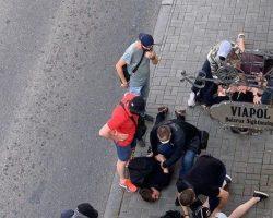В Минске начались столкновения, есть задержанные и раненые