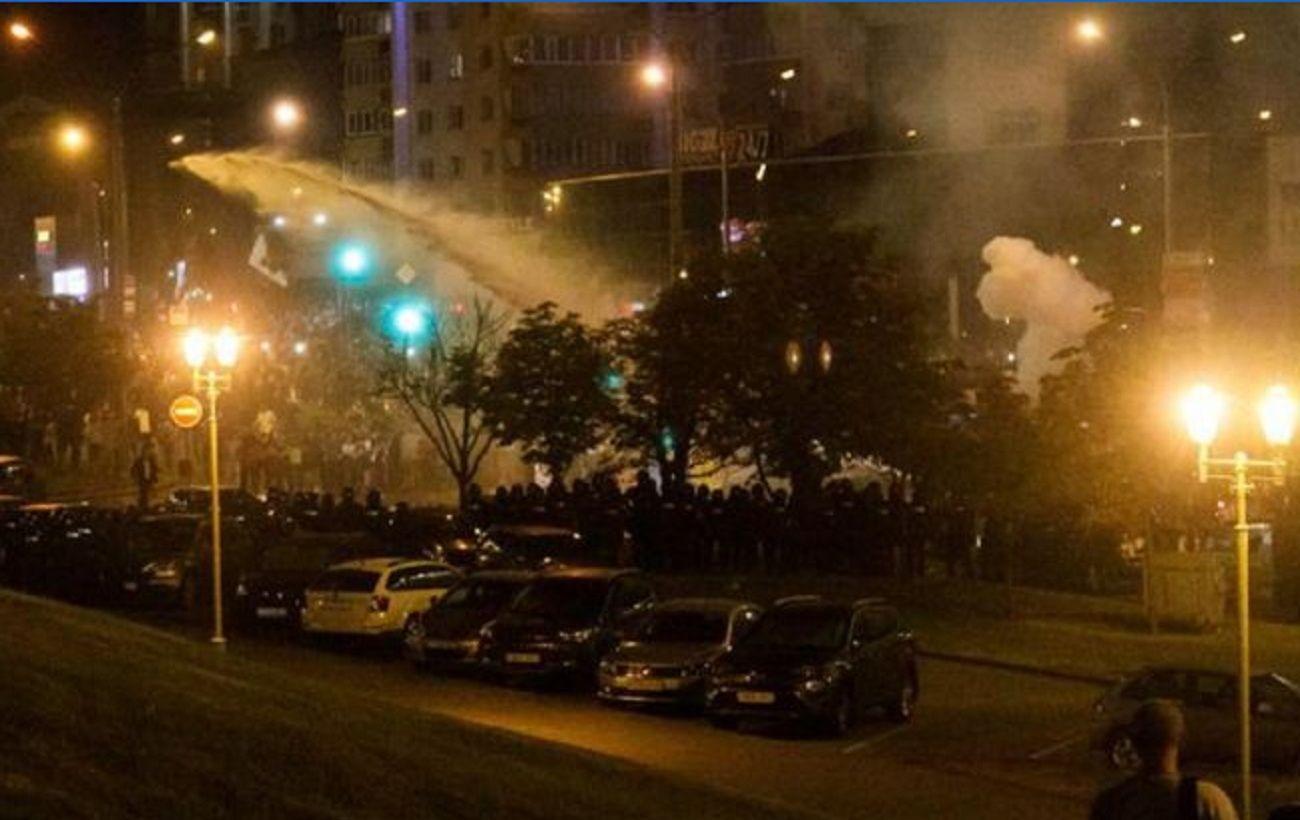 В Минске силовики разогнали демонстрантов возле метро