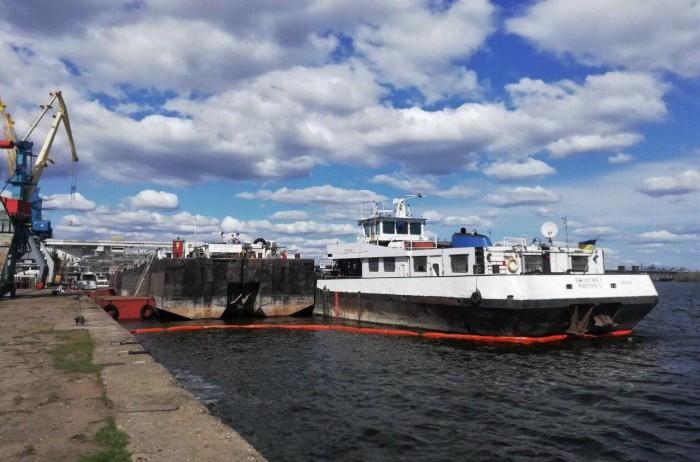 Речные грузоперевозки по Днепру с терминалов в Запорожье и Никополе