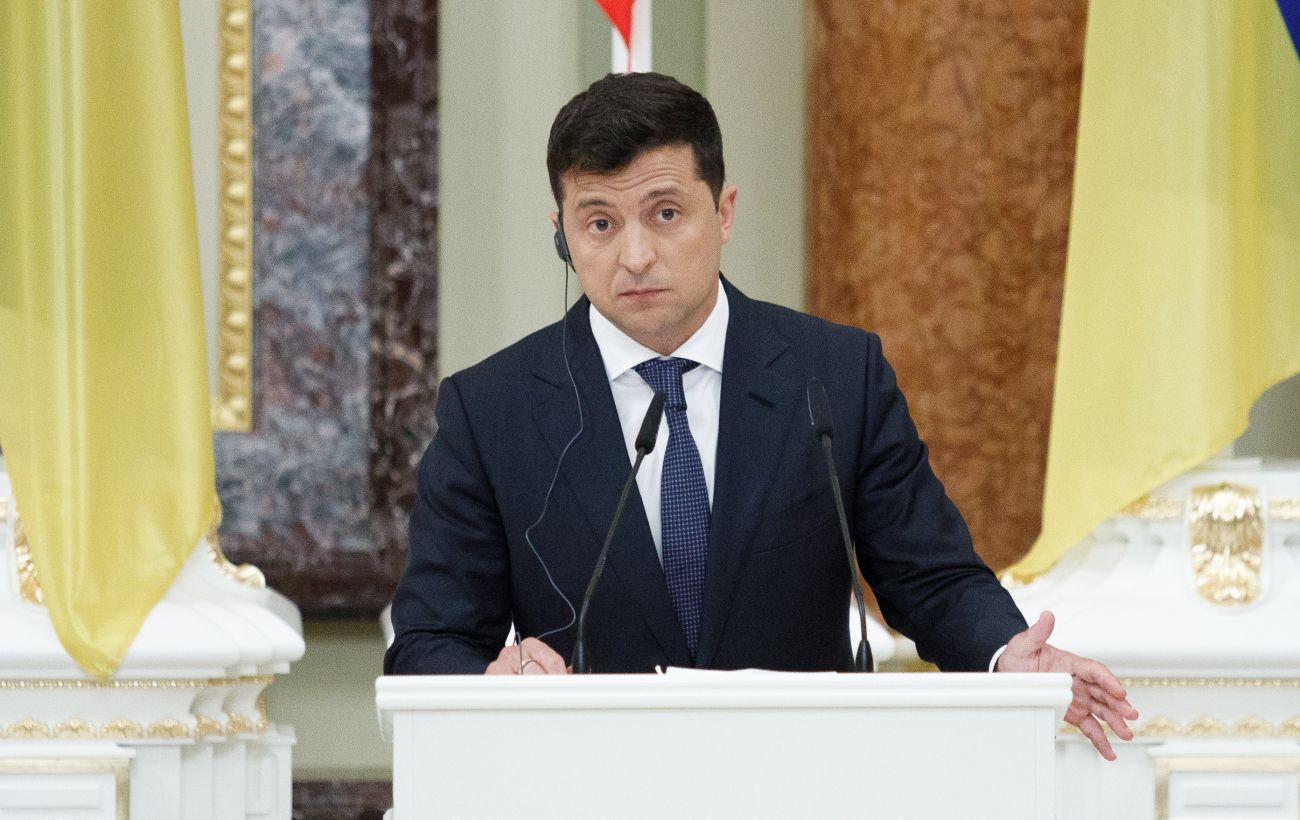 Зеленский о реакции на обострение на Донбассе: есть вещи не для СМИ