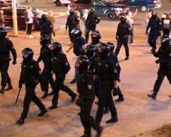 Правозащитники сообщают о 135 задержанных на протестах в Беларуси