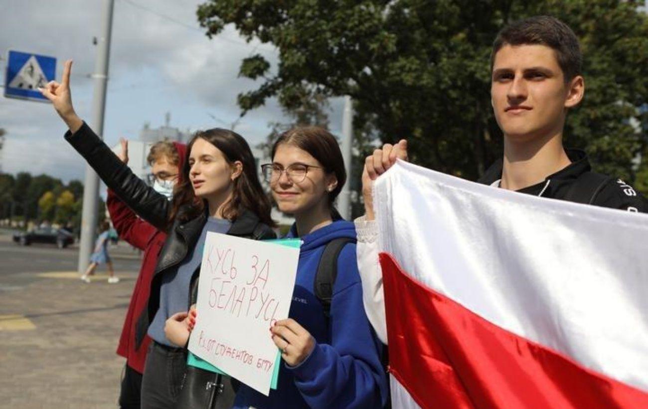 Женский марш и задержания: что происходит в Беларуси