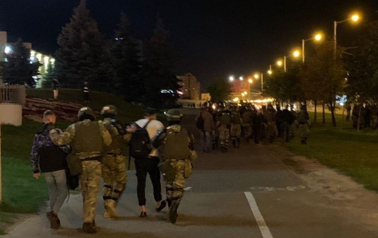 Количество задержанных на протестах в Беларуси возросло почти до 260