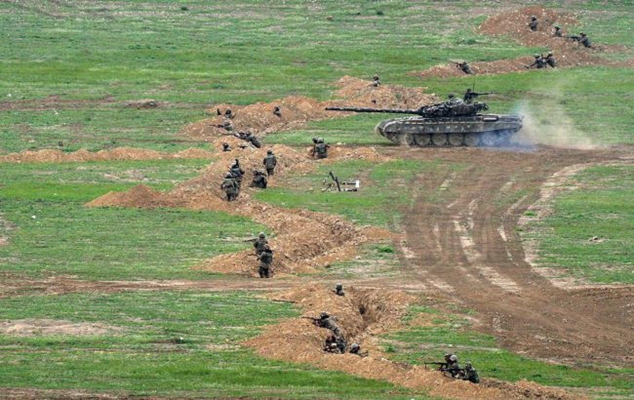 Азербайджан и Армения договорились не обстреливать мирное население в Карабахе