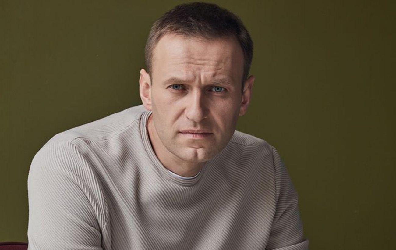 Навальный подаст в суд на Пескова