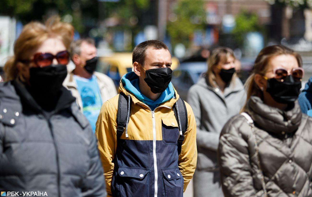 Очередной антирекорд: в Украине подтвердили 8752 новых случаев COVID-19