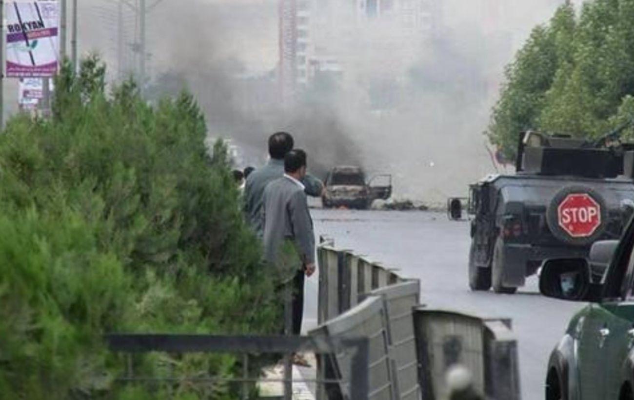 Взрыв авто в Афганистане: 14 человек погибли, 119 ранены