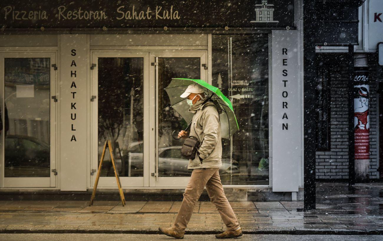 В Албании ужесточают карантин на праздники