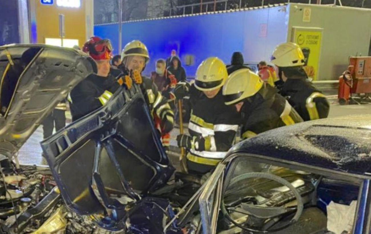 В Киеве произошло масштабное ДТП: среди пострадавших есть дети