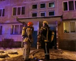В Киеве горела многоэтажка, двое людей пострадали