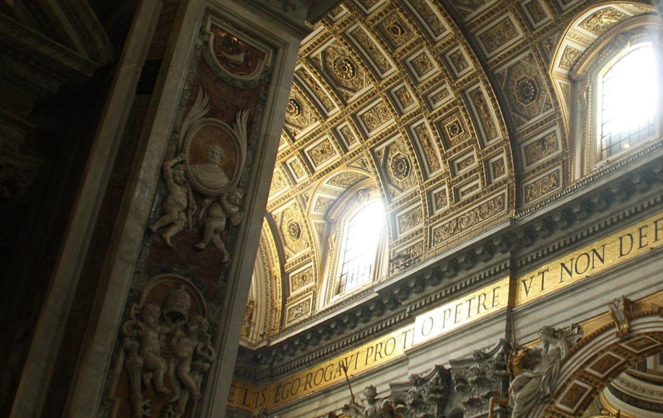 Личный врач Папы Римского умер от осложнений, вызванных COVID