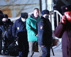Навального отправили в СИЗО: где будут удерживать оппозиционера