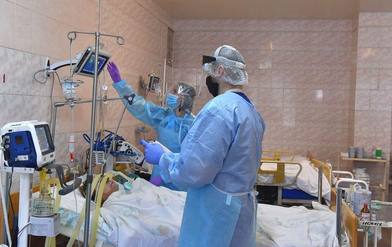 От коронавируса в мире умерли уже 2 миллиона человек