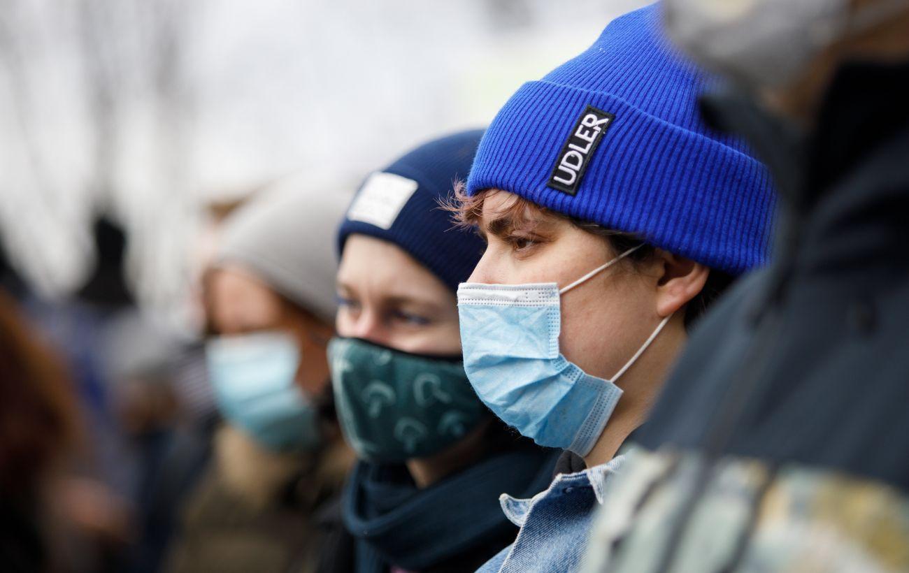 В Украине более 13 тысяч новых случаев COVID. Это максимум с начала года