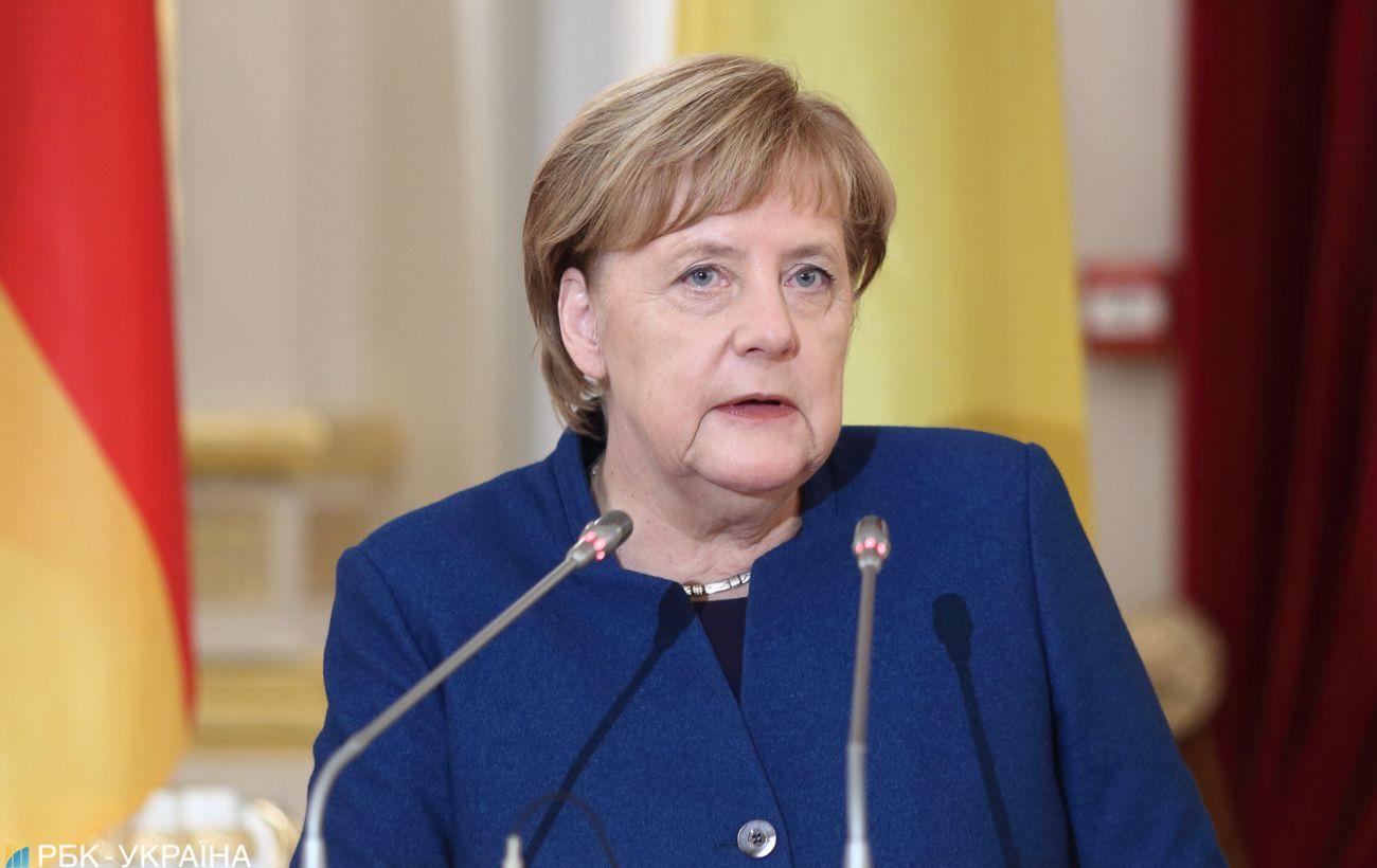 Меркель отклонила требование вынести на рассмотрение вопрос о вотуме доверия к ней