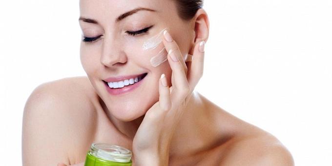 Очищающая косметика для ухода за кожей лица