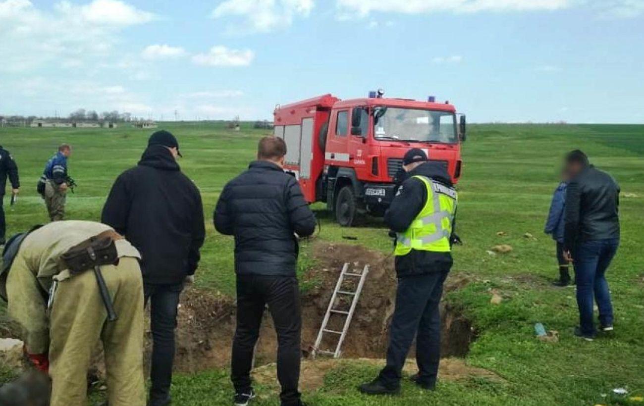 Тела четырех человек обнаружили в заброшенном колодце в Одесской области