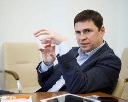 Зачем Путин стягивает войска к границам Украины: оценка Офиса президента