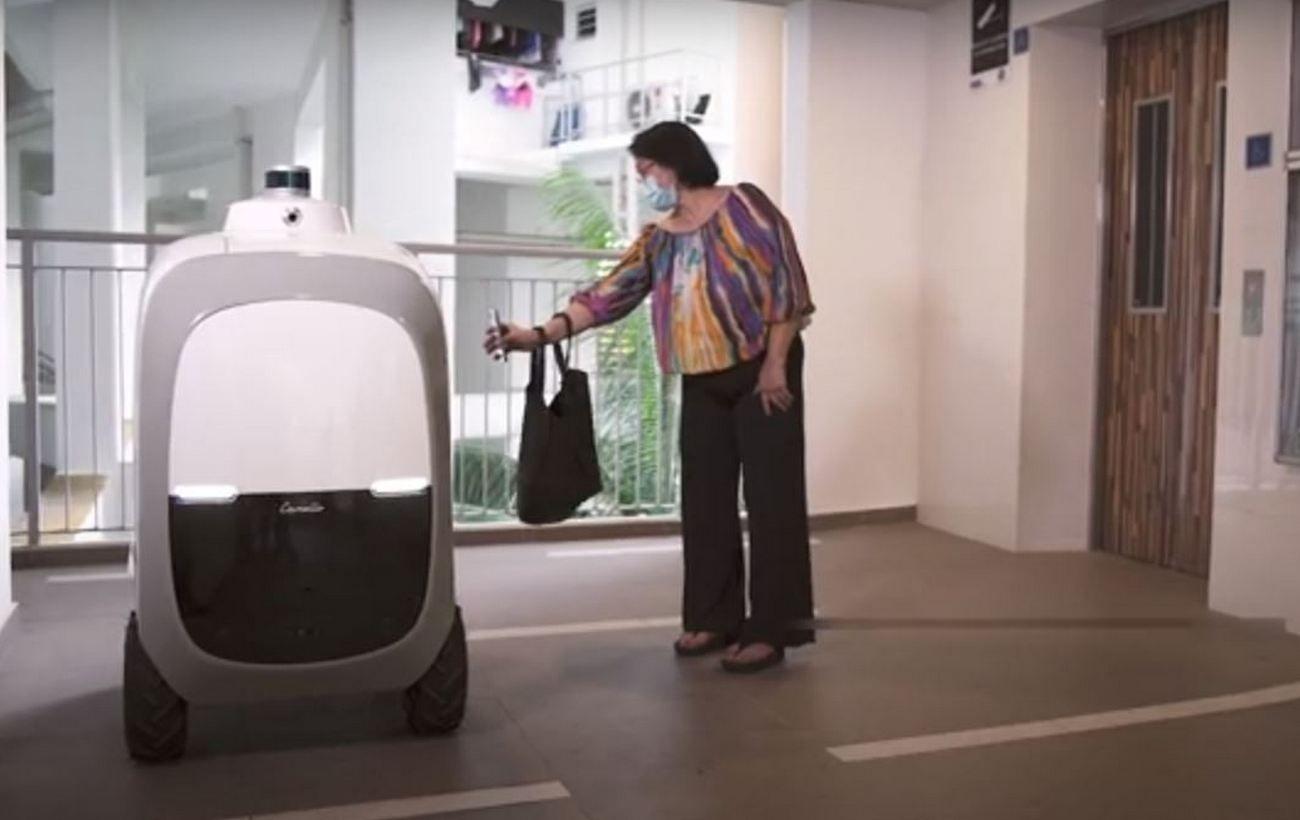 В Сингапуре спасаются от коронавируса с помощью технологий