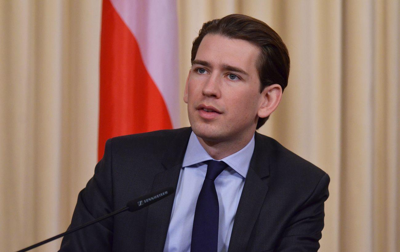 Австрия в мае начнет ослаблять туристические и другие ограничения