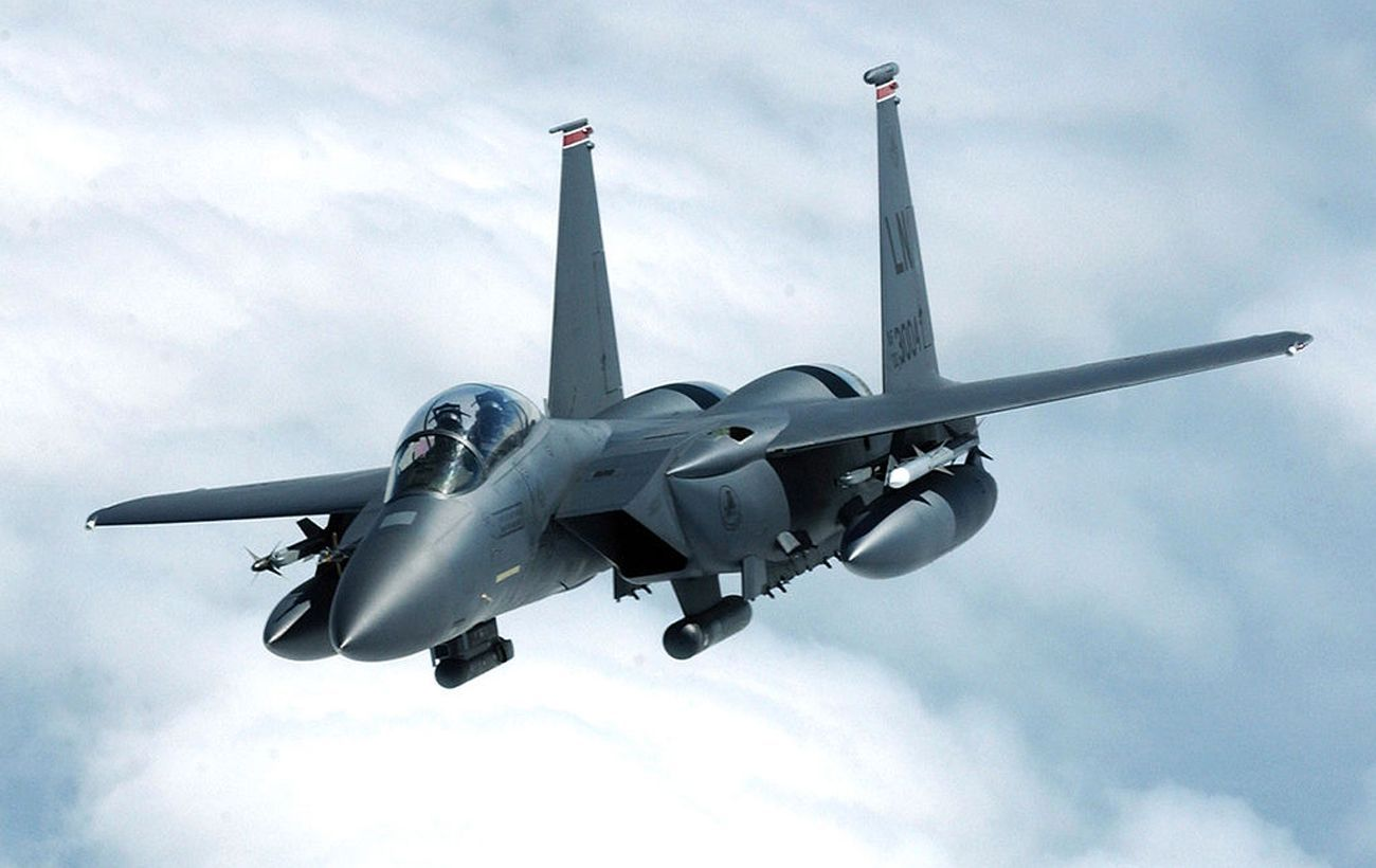 Пентагон объяснил переброску истребителей США в Польшу