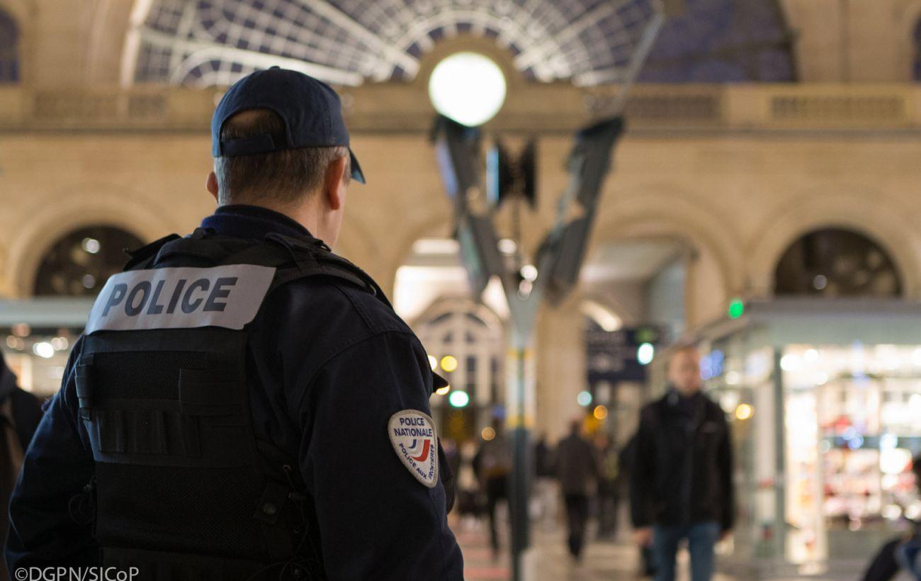 Планировали нападение на масонскую ложу: во Франции задержали трех неонацистов