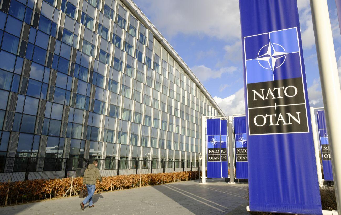 Вашингтон стремится, чтобы двери в НАТО для Украины оставались открыты, - Госдеп