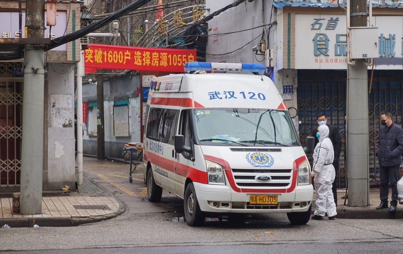 В Китае жителей мегаполиса закрыли на карантин: вирус больше не под контролем