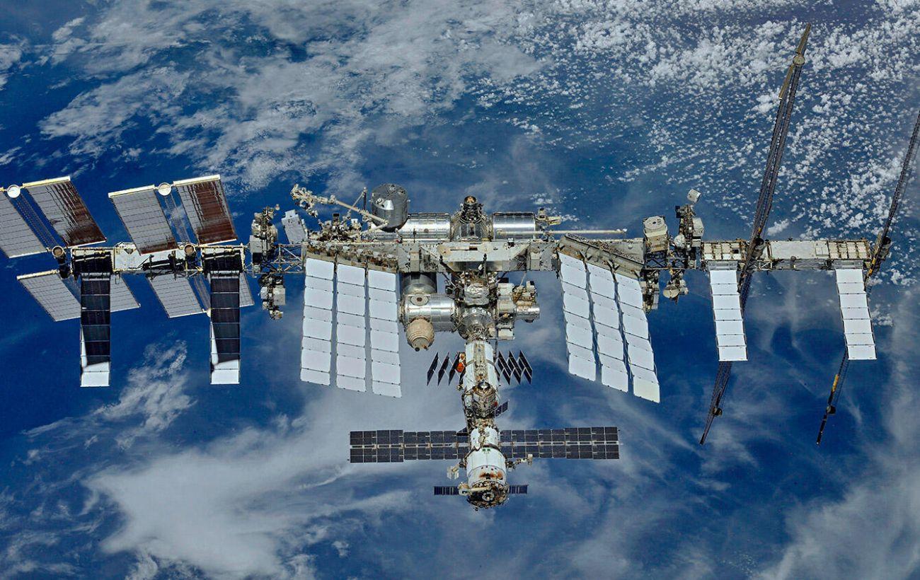 Миссия Crew Dragon. Корабль отстыковался от МКС и возвращается на Землю