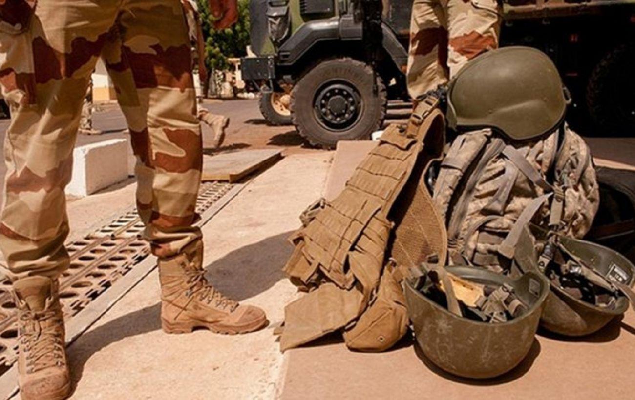Заминированный автомобиль врезался в колонну французских военных в Мали: много раненых